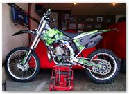 Kawasaki KXF CreatorX Graphics Inferno Green 001